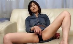 Japanese girl pleasing craving cunt