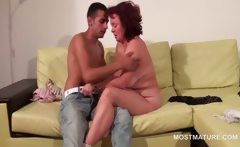 BBW mature gets lucky to be licked by tee dude